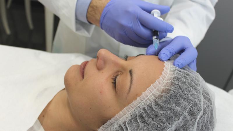 Filler all'acido ialuronico: con il lockdown aumentano le richieste per migliorare viso e labbra